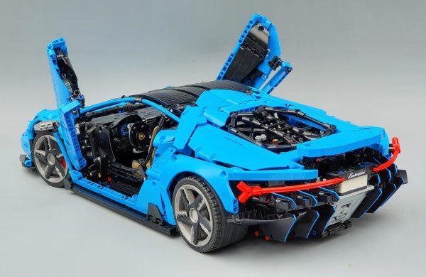 DoubleE / CADA D012 Lamborghini Centenario 1:8 hypercar 2
