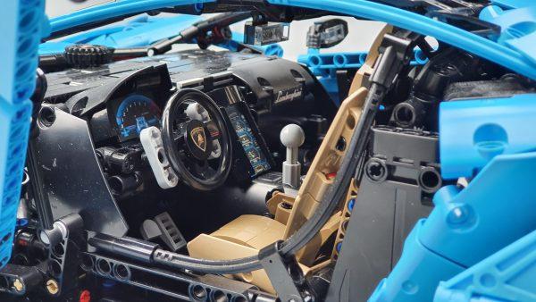 DoubleE / CADA 770-4 Lamborghini Centenario 1:8 hypercar 7