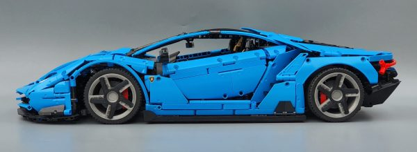 DoubleE / CADA 770-4 Lamborghini Centenario 1:8 hypercar 15